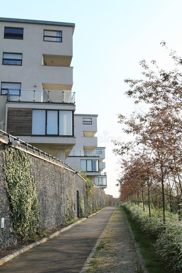 Casas residenciais modernas imagem de stock royalty free