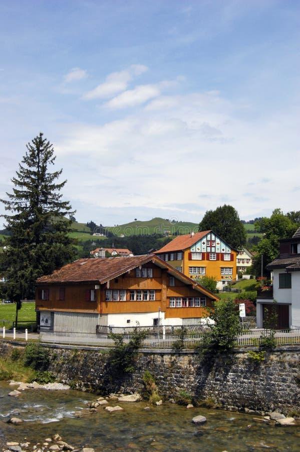 Casas suíças tradicionais fotografia de stock royalty free