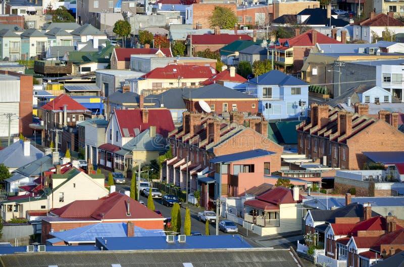 Casas suburbanas, Hobart, Tasmânia, Austrália foto de stock