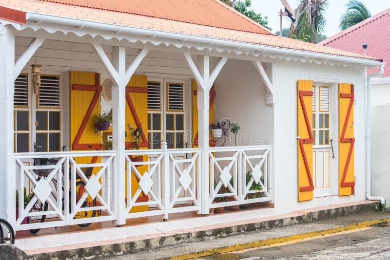 Casas típicas en la isla de Les Saintes imagen de archivo libre de regalías
