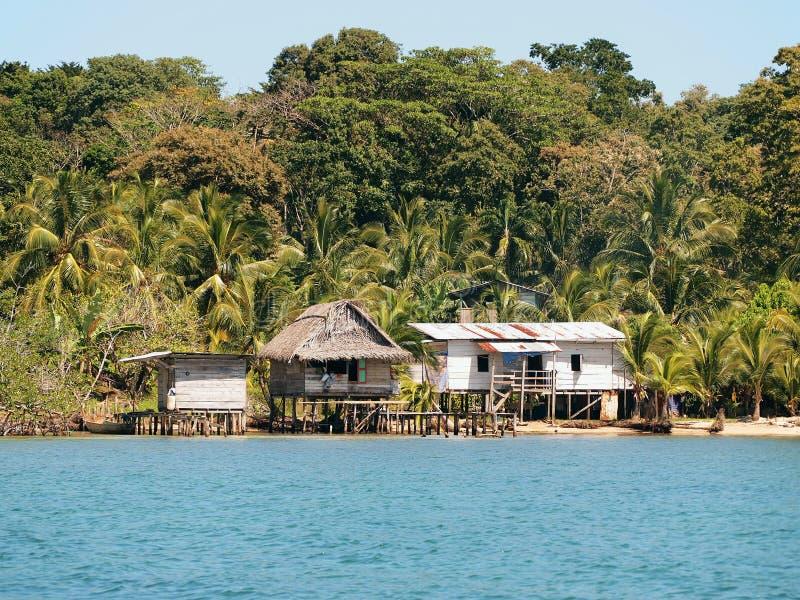 Casas típicas na praia imagens de stock royalty free