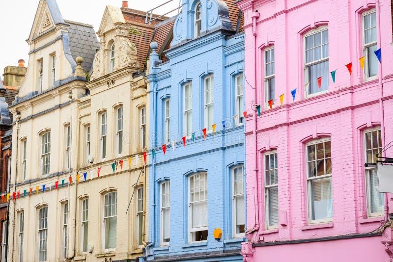 Casas terraced coloridas em Londres fotografia de stock royalty free