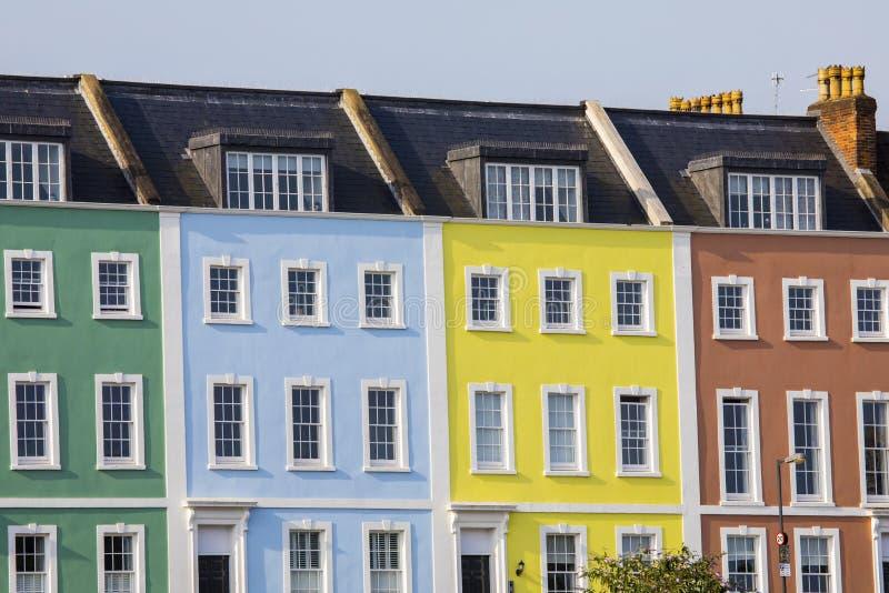 Casas Terraced Multi-coloridas em Bristol fotos de stock