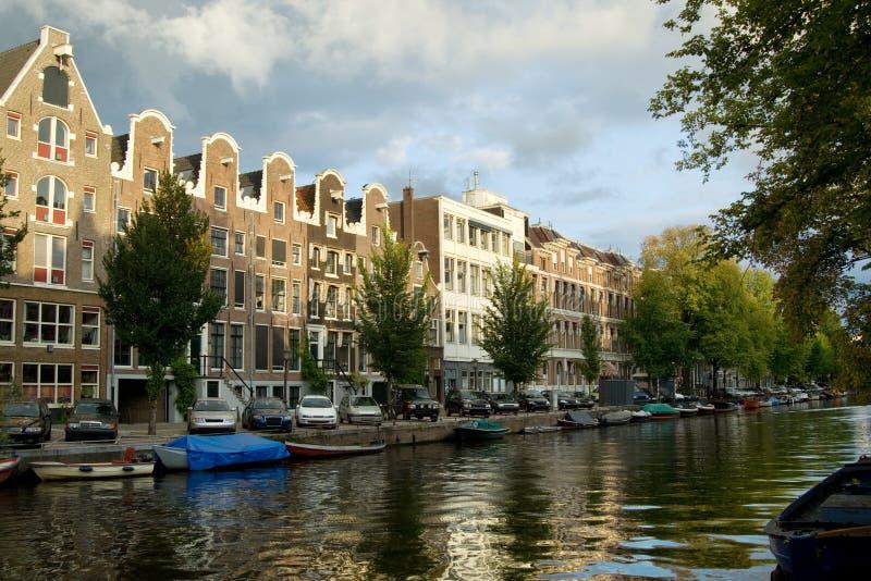 Casas tradicionais de Amsterdão imagem de stock
