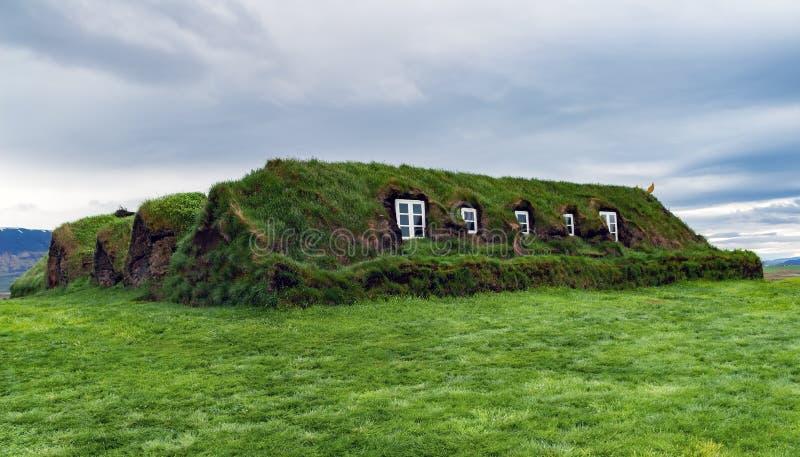 Casas tradicionais do relvado em Glaumbaer - Islândia imagem de stock