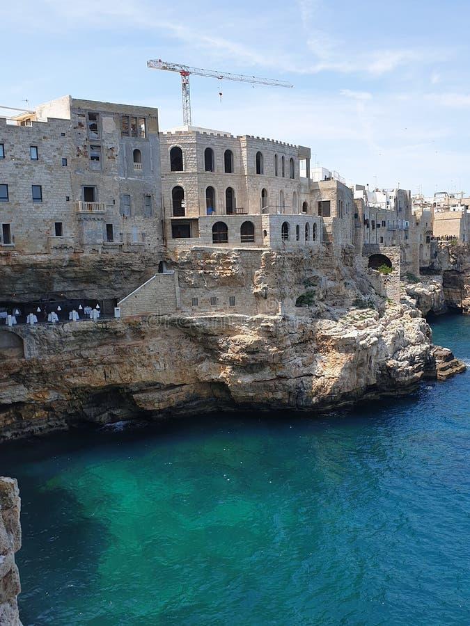 Casas velhas no mar fotos de stock