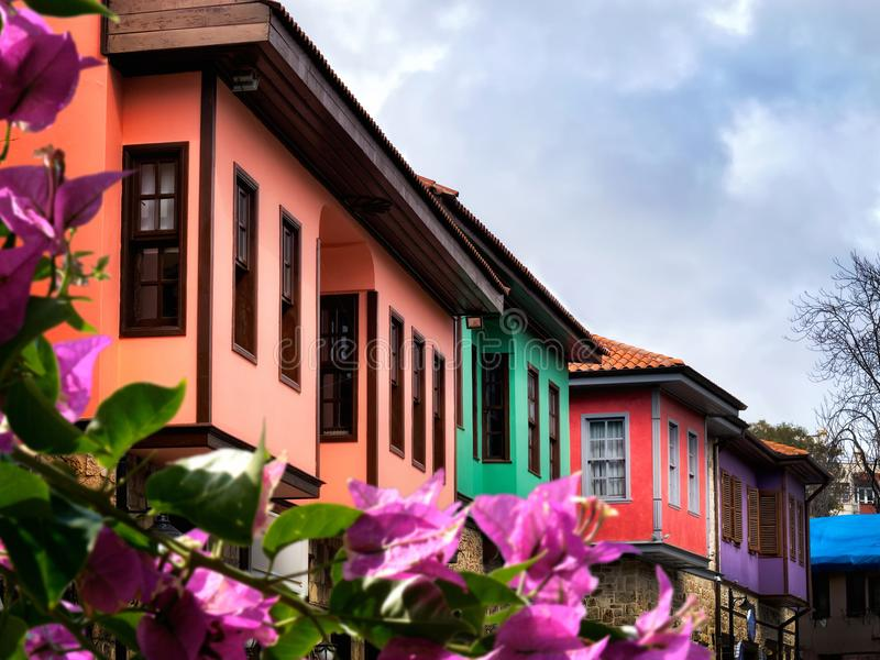 Casas viejas coloridas imagen de archivo