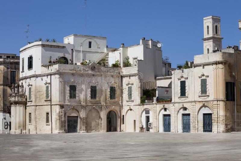 Casas viejas de los edificios en la ciudad histórica de Lecce, Italia foto de archivo