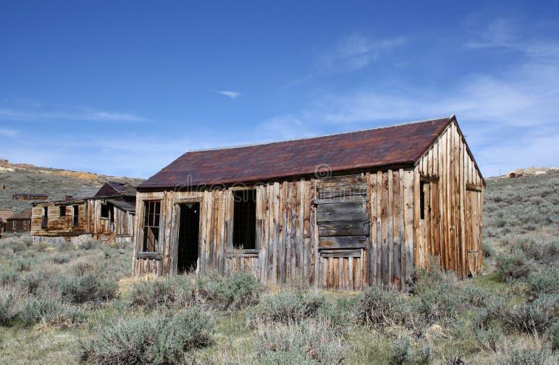 Casas viejas en el pueblo fantasma de Bodie fotografía de archivo