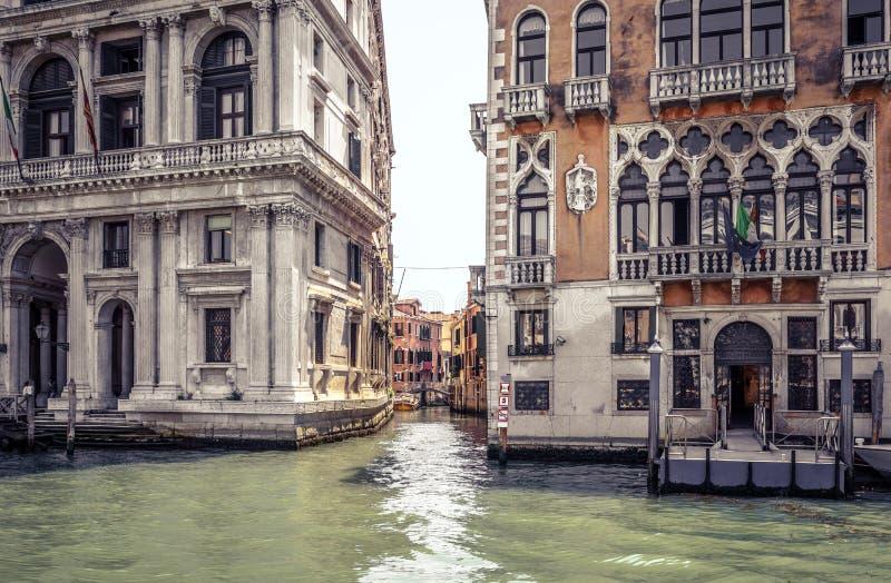 Casas viejas en Grand Canal, Venecia, Italia fotografía de archivo libre de regalías