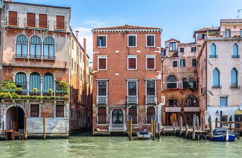 Casas viejas en Grand Canal, Venecia, Italia imagenes de archivo