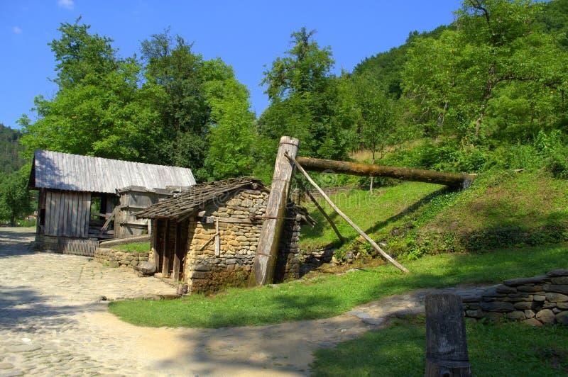 Casas y molinos-Etar de piedra viejos del agua, Bulgaria foto de archivo