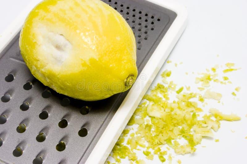 Casca de limão amarela raspada 2 fotos de stock royalty free