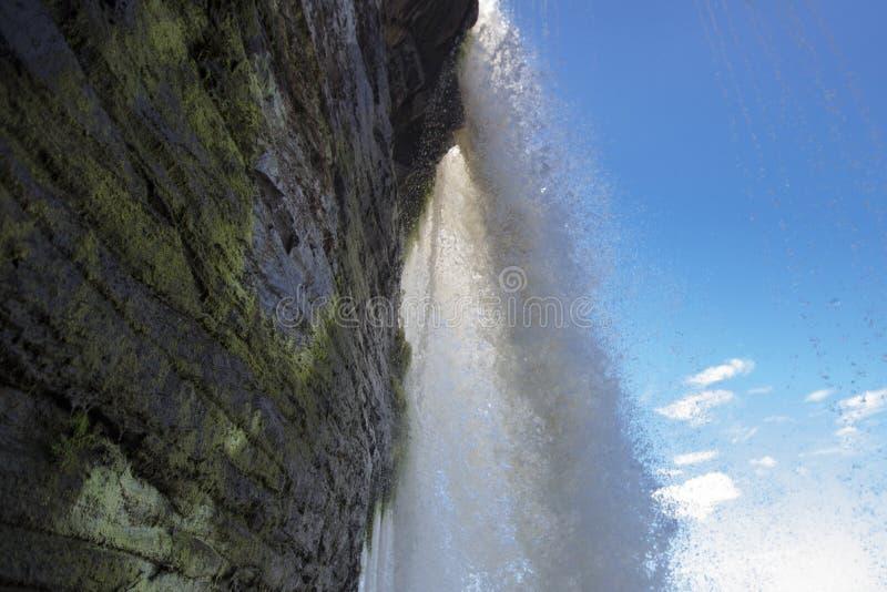 Cascada, arco iris y laguna de Canaima, Venezuela foto de archivo libre de regalías