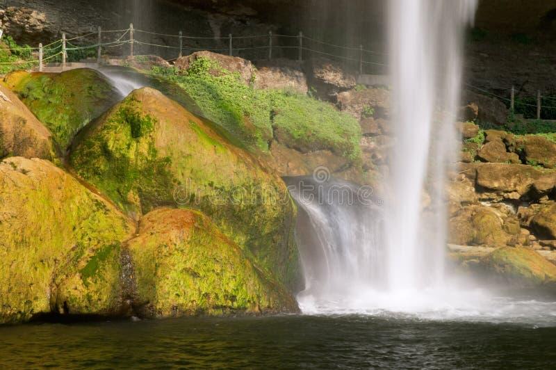 Cascada (cascada) Misol ha fotografía de archivo