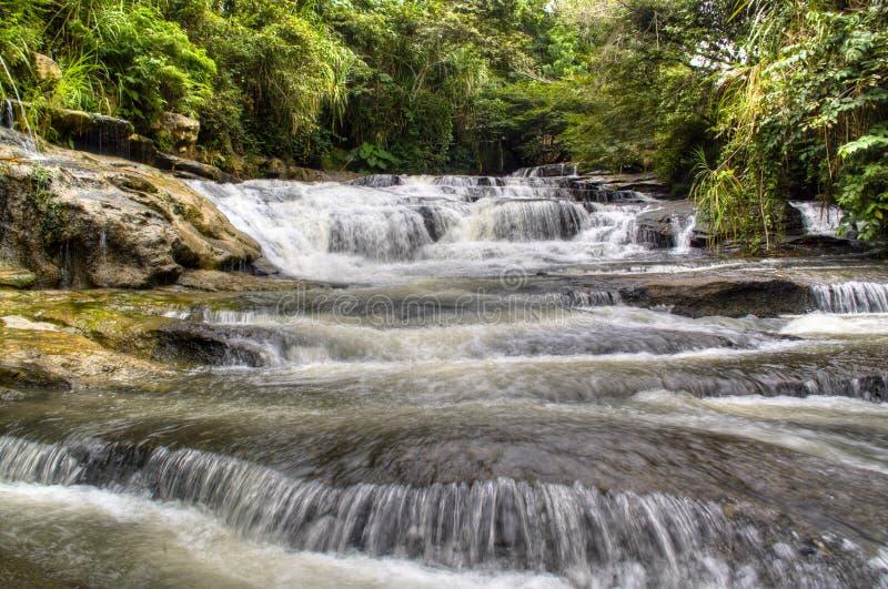 Cascada cerca de San Gil fotos de archivo