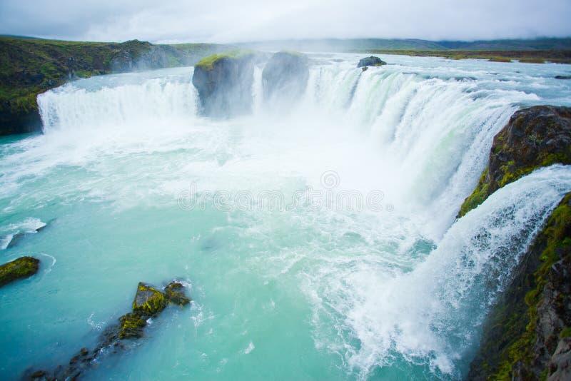 Cascada de Godafoss en la Islandia norteña imagenes de archivo