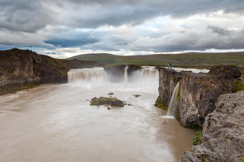 Cascada de Godafoss, Islandia del norte imagenes de archivo