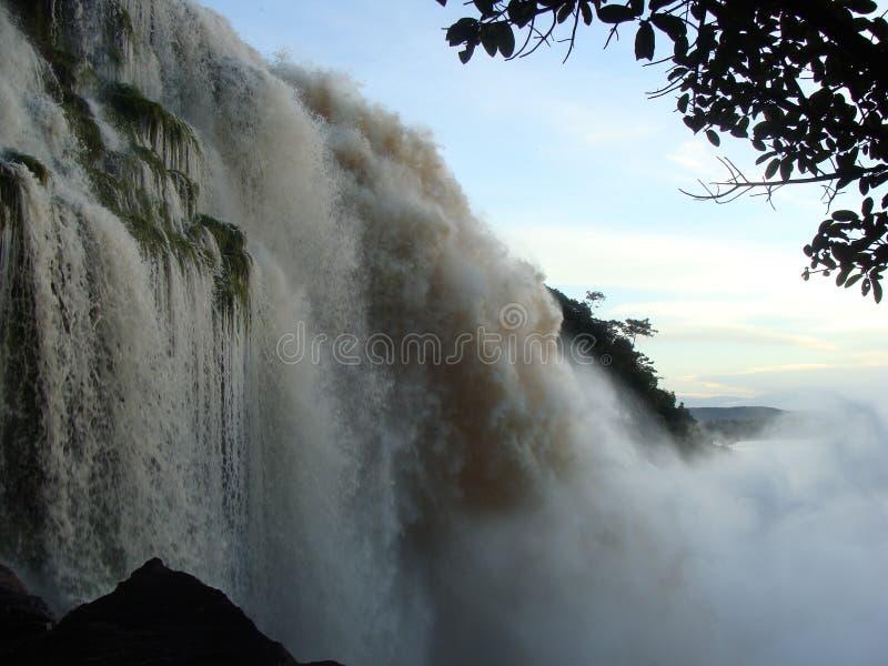 Cascada de Hacha en venezolano el Amazonas fotos de archivo