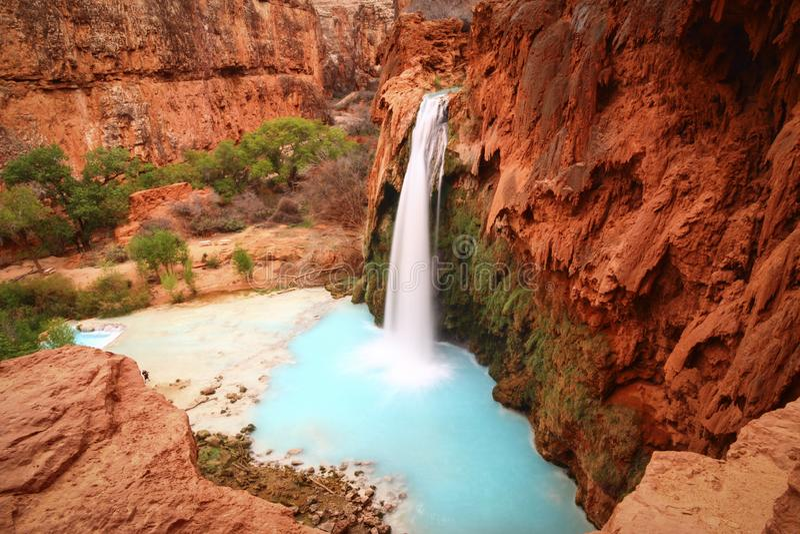 Cascada de Havasupai - paisaje hermoso - parque nacional Arizona AZ LOS E.E.U.U. de Havasupai Grand Canyon imagen de archivo
