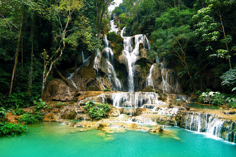 Cascada de Kuang Si, prabang de Luang, Laos imagenes de archivo