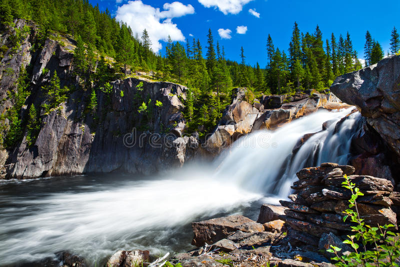 Cascada de Noruega imagenes de archivo