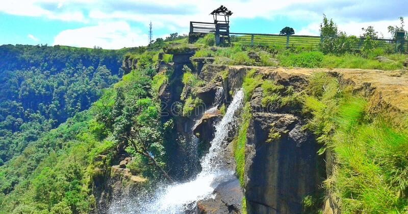 Cascada de parque ecológico, belleza de Shillong, meghalaya, noreste, India imágenes de archivo libres de regalías