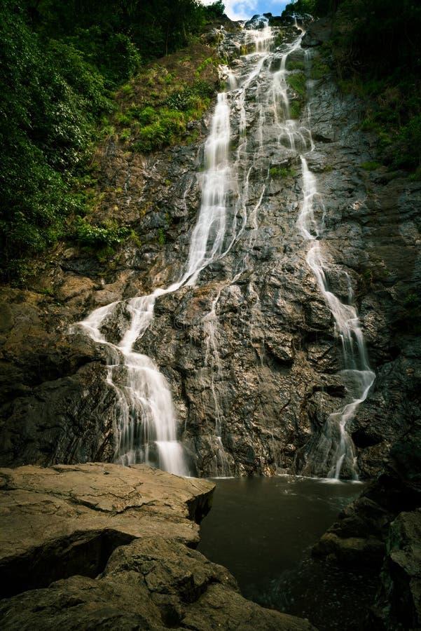 Cascada de Sarika en Nakhon Nayok en junio imagen de archivo