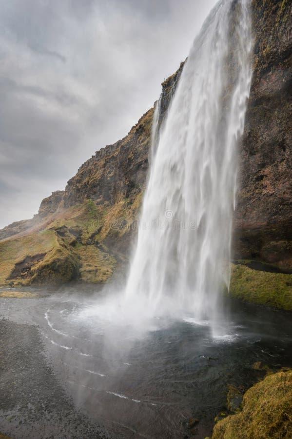 Cascada de Seljalandsfoss en Islandia Uno de la cascada famosa del ost en Islandia foto de archivo