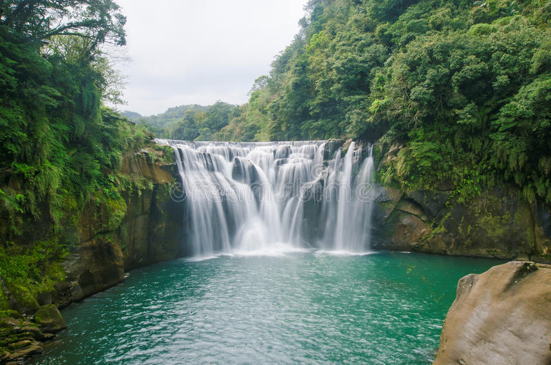 Cascada de Shifen, Taiwán imagen de archivo