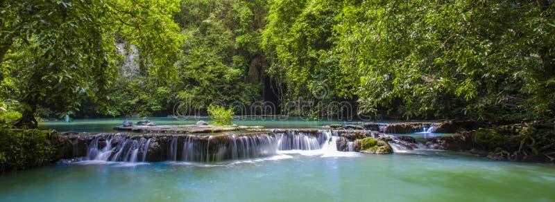 Cascada de Thanbok Kratong que la provincia de Krabi del parque nacional de Bok Khorani de Tailandia imagenes de archivo