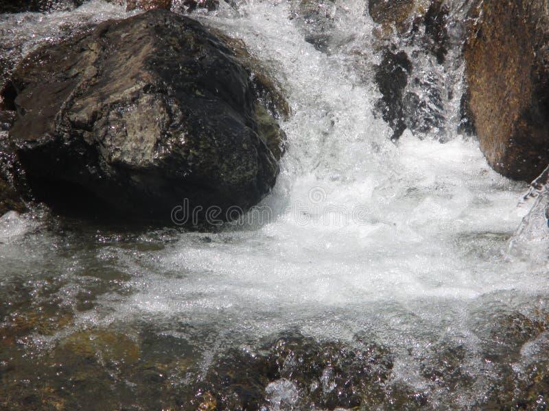 Cascada de un里约de montaA±aa 库存照片