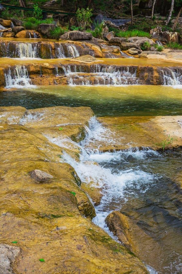 Cascada de Yang Bay de los alrededores en Vietnam fotos de archivo libres de regalías
