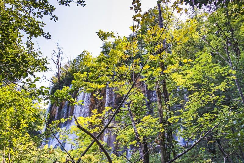 Cascada del buk de Galovacki en el parque nacional de los lagos Plitvice fotos de archivo