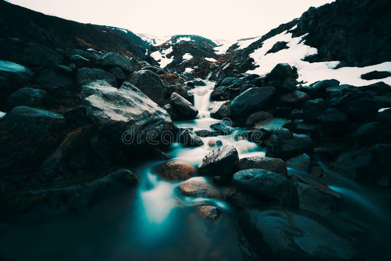 Cascada del islandés de Milkey imagenes de archivo