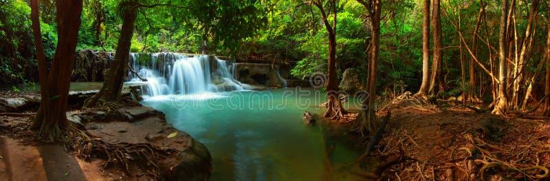 Cascada del kamin de los mae de Huay imagen de archivo libre de regalías
