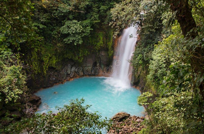 Cascada del río de Celeste, Costa Rica fotos de archivo