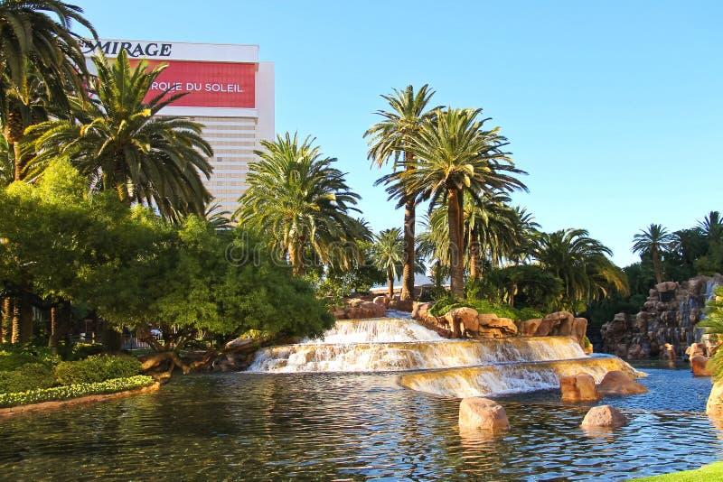 Cascada en el hotel del espejismo en Las Vegas imagen de archivo libre de regalías
