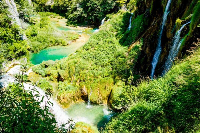 Cascada en el parque nacional en Croacia imagenes de archivo