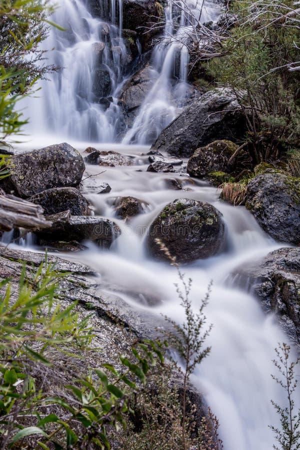 Cascada en el parque nacional de Kosciuszko imagen de archivo libre de regalías