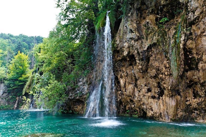 Cascada en el parque nacional de Plitvicke fotos de archivo