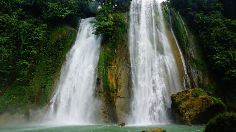 Cascada en Java del oeste Indonesia imagenes de archivo