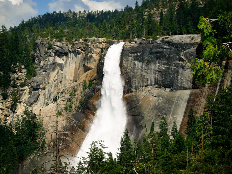 Cascada en Yosemite imagen de archivo