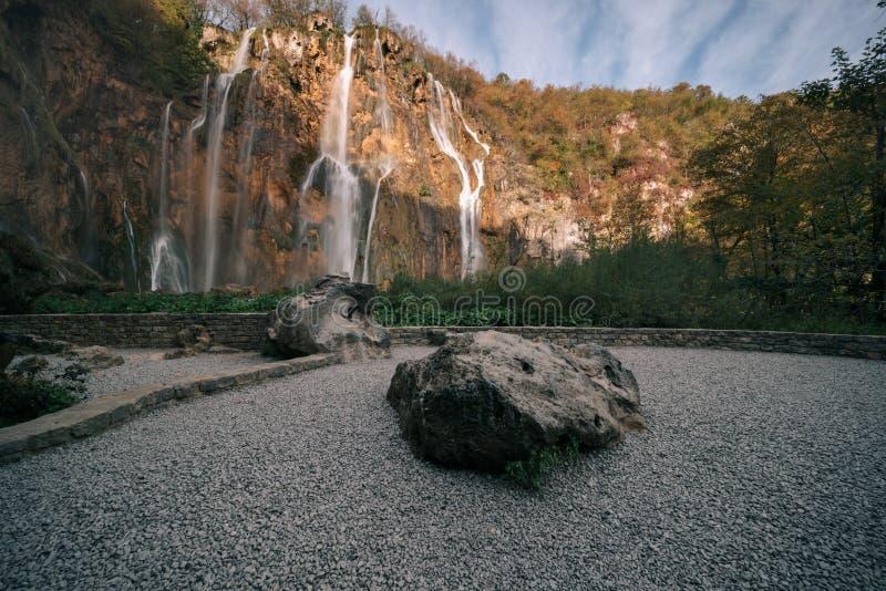 Cascada grande en los lagos Plitvice fotos de archivo libres de regalías