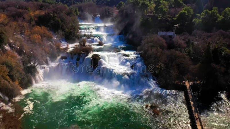 Cascada hermosa de Skradinski Buk en el parque nacional de Krka - Dalmacia Croacia, Europa foto de archivo