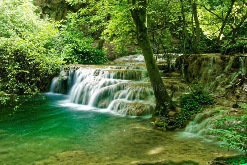 Cascada hermosa en Lovech, Bulgaria imagen de archivo
