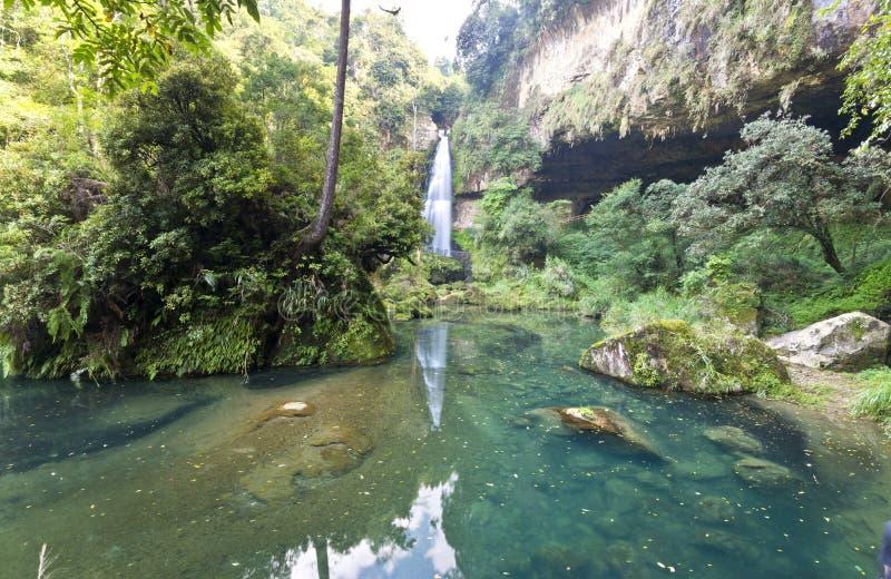Cascada hermosa en Nantou, Taiwán fotografía de archivo