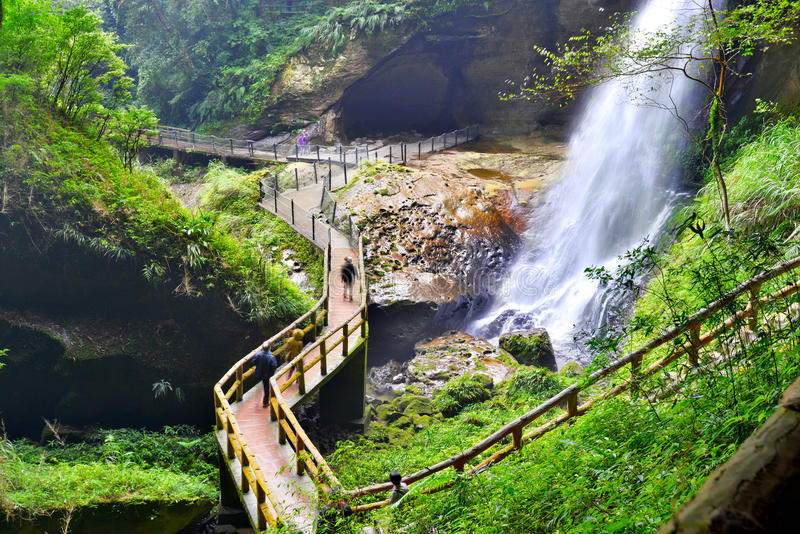 Cascada hermosa en Nantou, Taiwán fotos de archivo