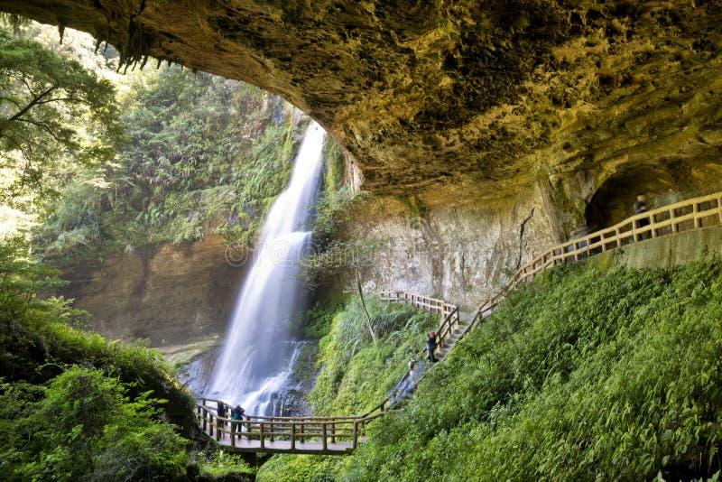 Cascada hermosa en Nantou, Taiwán imagen de archivo libre de regalías