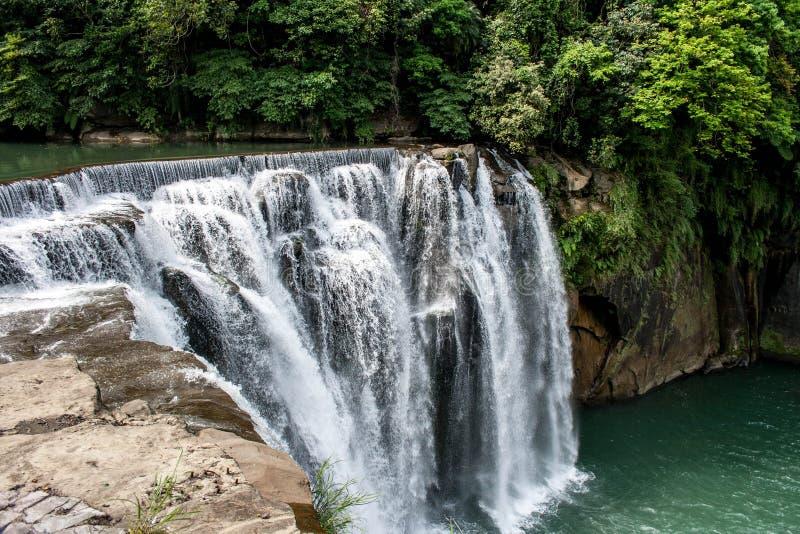 Cascada hermosa en ShiFen, Taiwán fotografía de archivo